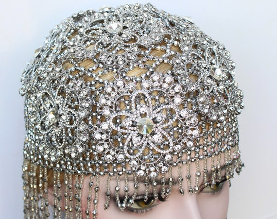 1920s Crystal Bridal Headpiece for Gatsby Wedding Dress roaring 20s Wedding Burlesque Silver Flapper Fully Beaded Cap Bachelorette Hen Party
