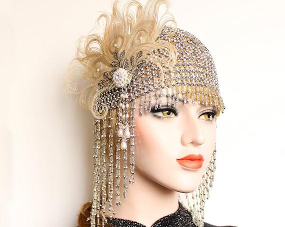 Great Gatsby Headpiece, Feather Flapper Roaring 20s Silver Beaded Cap for Wedding Dress pearl Art Deco Bridal Headpiece Bachelorette Gala