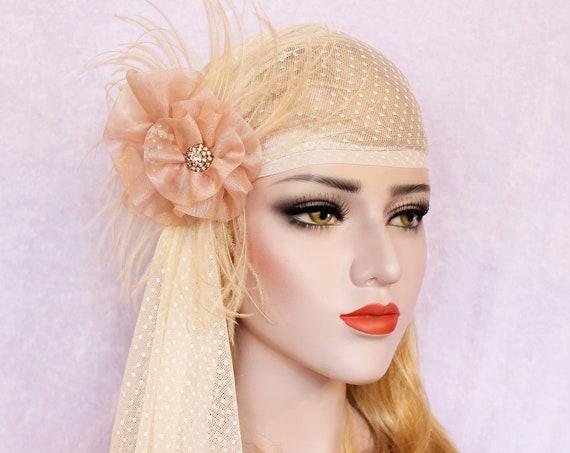 Ivory polka dot Wedding veil 1920s Swiss dot Juliet cap veil Blush flower bridal veil Romantic veil for wedding dress Gatsby headpiece