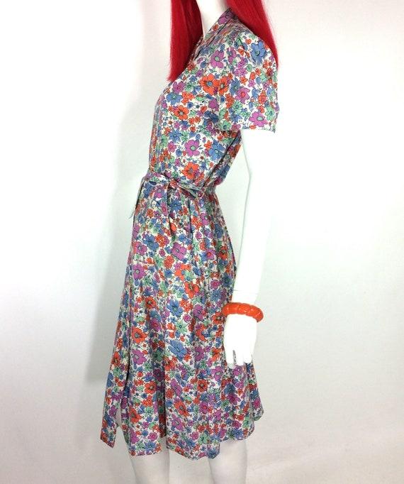1940s vintage ditzy floral tea dress / shirt wais… - image 5