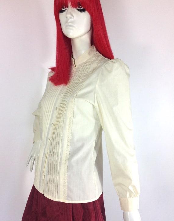 1970s vintage cream cotton prairie blouse / brode… - image 4