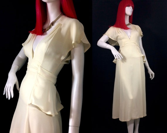 Mushroom 1970s vintage cream crepe 40s look dress