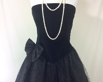 Womens Vintage Black Velvet Strapless A-Line Tea Length Dress with Dotted Mesh Skirt and Bow size 6