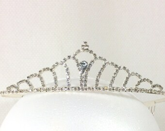 Womens Vintage Scalloped Rhinestone Silver Tiara with Blue-Grey Jewel