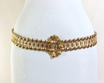 1980s Gold Studded Embossed Chain Link Belt with Oval Studded Buckle size M (32 inch waist)