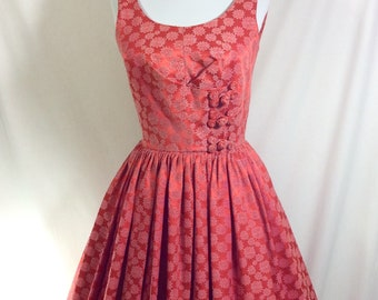 1950s Coral Embroidered Floral A-Line Sleeveless Dirndl Dress with Fabric Toggles size 4/6