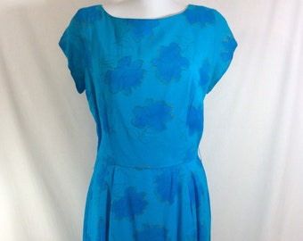 1960s Teal Short Sleeved UNION MADE Wiggle Dress with Blue and Gold Flowers size M/L