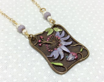 1970s Pididdly Links Brass and Painted Enamel Flower Necklace with Glass Beads and Pearls
