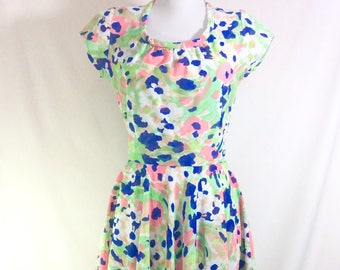 1960s Sweet Colorful A-Line Sun Dress with Rouched Neckline and Cap Sleeves size S/M