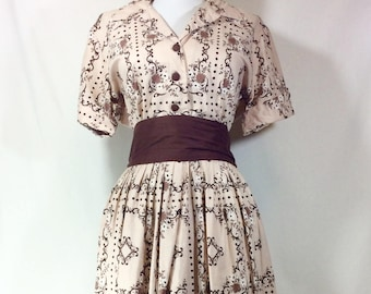 1950s A-Line Tan Cotton Day Dress with Contrasting Dark Chocolate Floral Print and Sash size M