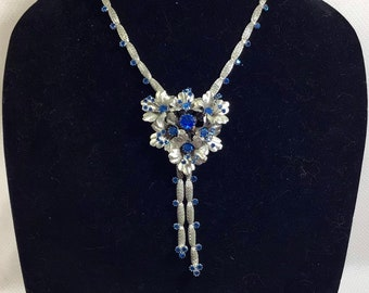 1960s Blue Crystal Flower Lariat Necklace on Adjustable Mesh Chain