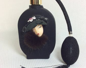 Vintage Black Glass Fashion Lady Perfume Bottle with Genuine Fur and Atomizer