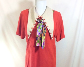 1960s Mod Knit Midge Dress with Oversized Collar and Colorful Scarf size S