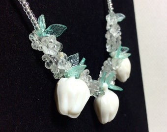 1960s White Fig Fruit Salad Necklace with Minty Green Leaf Beads