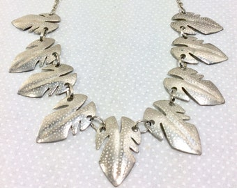1960s Silver Leaf Embossed Mid Century Statement Necklace