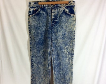 1980s Acid Wash High Waisted Sandblasted Roebucks Denim Jeans with Zipper Fly 34W x 32L