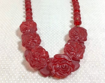 1960s REVERSIBLE Red Carved Flower Plastic Bead Bib Necklace