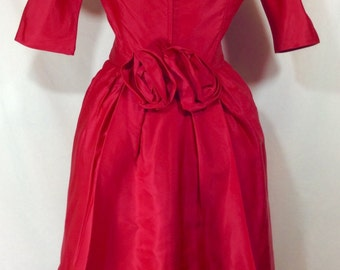 Womens Vintage UNION MADE Hot Magenta Pink Cascade Wiggle Dress With Rose Bow and 3/4 Length Sleeves size 6