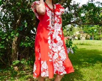 1970s Tropical Print Ruffled Shift Dress with Pocket size S-L