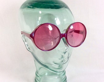 1990s Does 1970s Holographic Pink Oversized Dr. Peepers Sunglasses