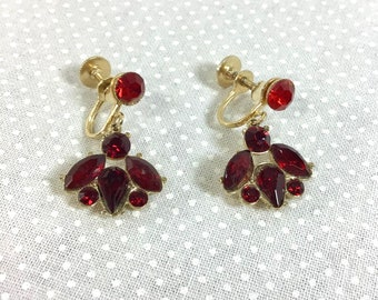 1960s Signed Ruby Rhinestone Dangly Screw-Back Earrings