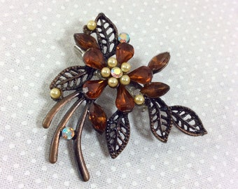 1960s Autumn Bronze Cluster Rhinestone Brooch with Leaves and Faux Pearls
