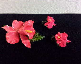 1960s Pink Orchid Tropical Brooch and Earrings Set