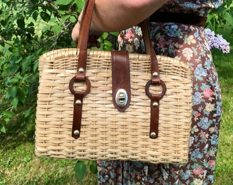 1950s Basket Purse with Brown Leather Straps and Brass Turnkey Clasp