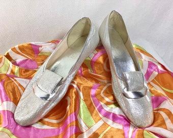 1960s Metallic Silver Daphne Mod Flats size 6.5