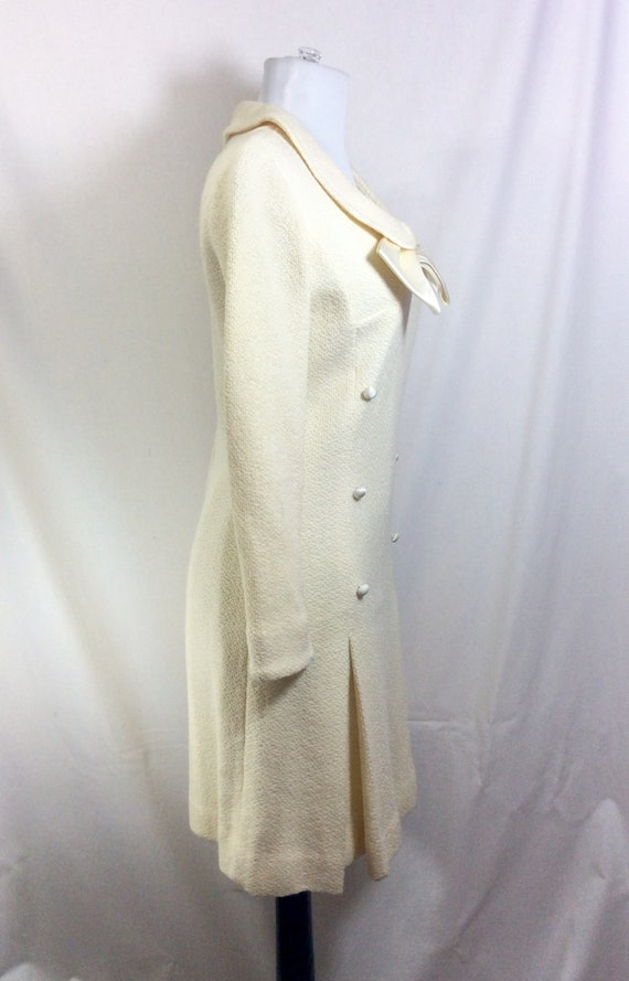 1960s Wool Ivory Minidress with Peter Pan Collar … - image 4