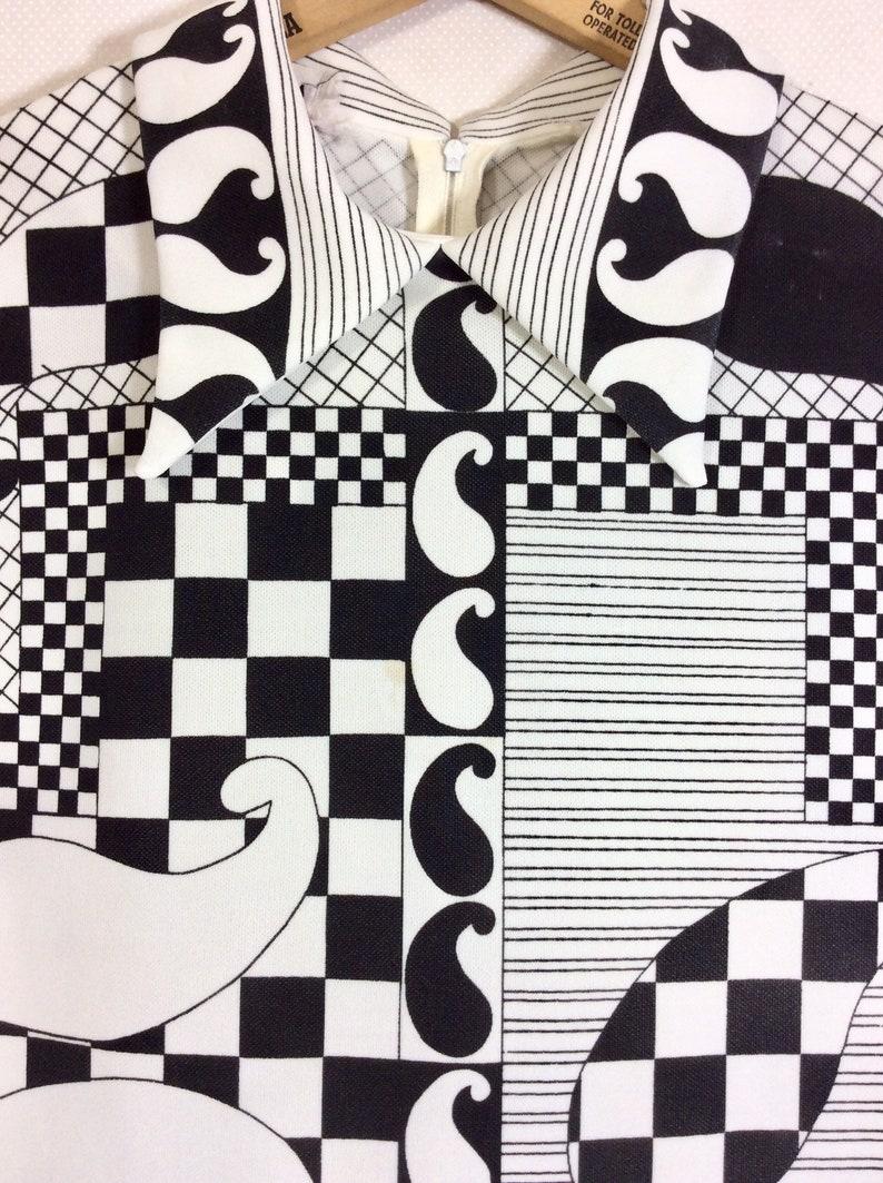 1960s Trissi Paisley Checkered Mod Collared Zip Tunic size XL-XXL