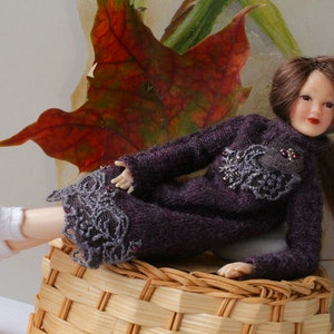Heidi Ott doll women Hand knitted  sweater leggings 1:12 scale dollhouse clothing for lady doll Miniature dollhouse clothes