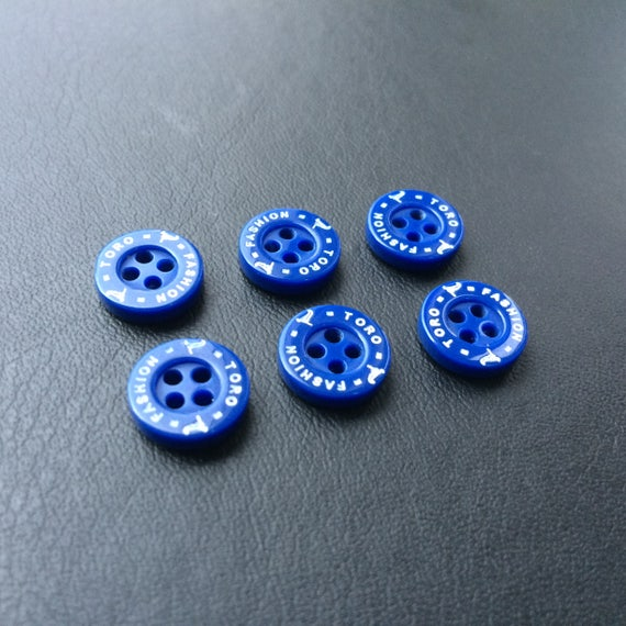 Target type buttons Red white and blue round 4 hole in size 11mm