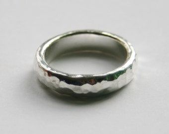 Ladies Hammered Silver Ring // UK Size O // Beaten Silver Ring // Made in England