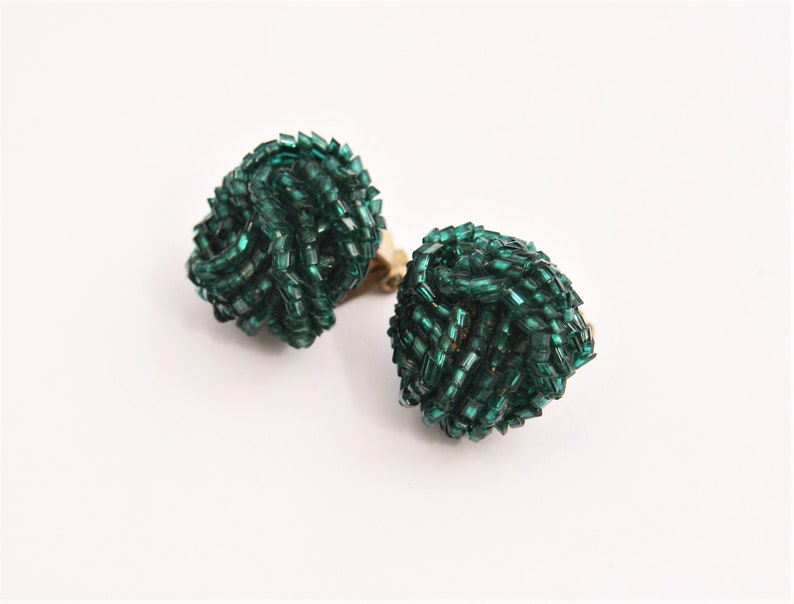 1960/'s Knotted Turquoise Green Seed Bead Cluster Earrings  60/'s Clip On Earrings  Vintage Ladies Clip Ons