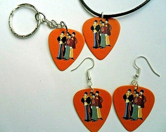 Star Wars A New Hope  Guitar Pick  Keyring //// Badge //// Earrings //// Necklace