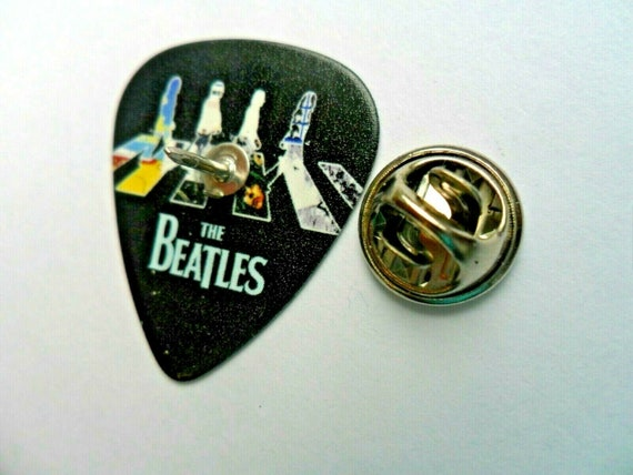 Metallica Black Print on white guitar pick plectrum Pin Badge Lapel Tie