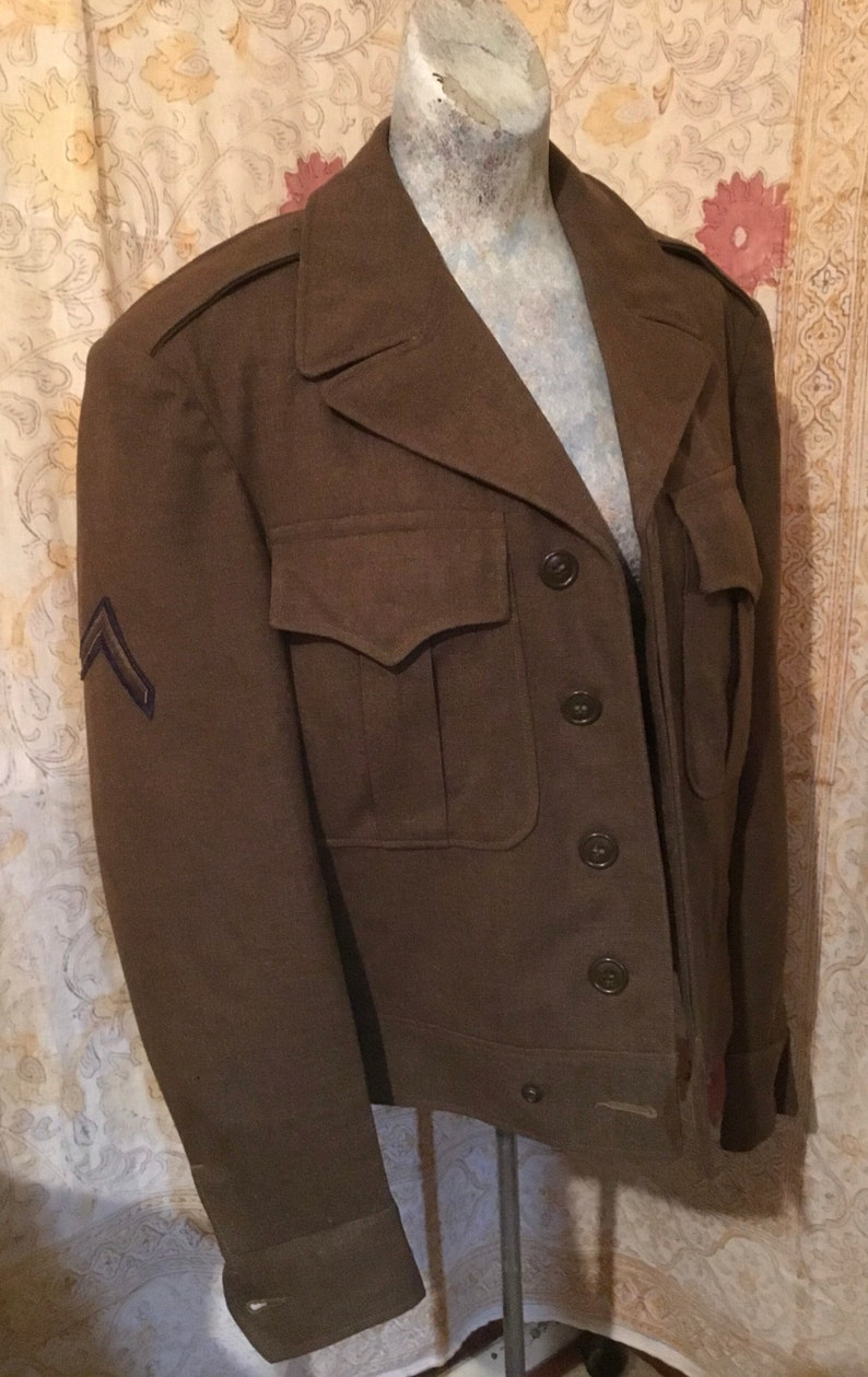 Fits Great All Buttons Beautiful 1940s WW2 Jacket,Great Shape Inside /& Out Private Patch Nothing Missing Displayed On Female Mannequin