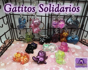 Solidarity kittens brooches and keychains