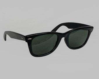 85b2893b6e4 Ray Ban Wayfarer Black Sunglasses Vintage