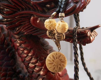 Leather and Wood Chrysanthemum Necklace, Unisex Jewelry, Guy's Necklace, Young Father's Gift
