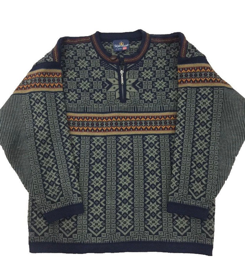 Skjaevelan of Norway Wool pullover Sweater Olive-made in image 0