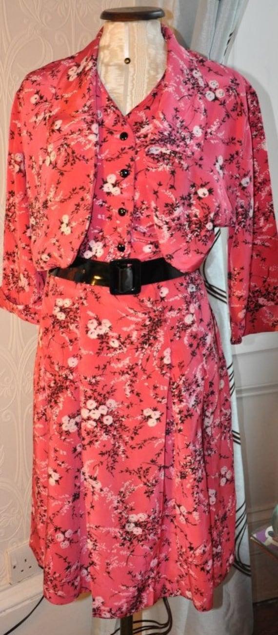 Vintage 30s Salmon Pink Floral Tea-Dress with Cape