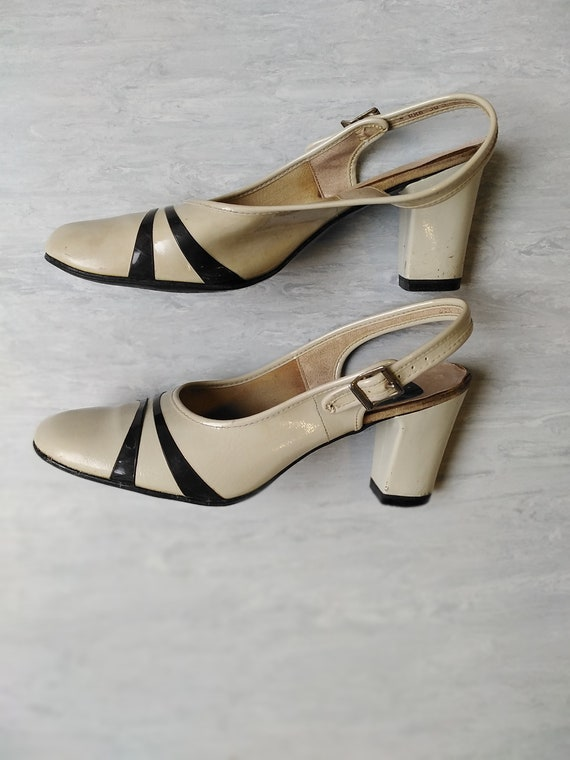Vintage 60s Cream Slingback Mod Shoes