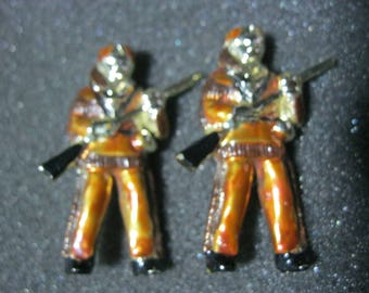 Vintage scatter pins brooches Davy Crockett Safety Pins