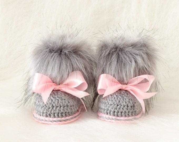Gray and pink booties, Fur booties, Newborn girl Booties, Preemie girl, Infant boots, Baby girl gift, Baby girl shoes, Baby girl boots
