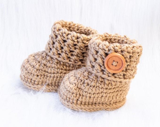 Crochet gender Neutral booties, Baby shoes, Unisex baby booties, Gold booties, Newborn shoes, Infant Booties, Baby shower gift, Preemie gift