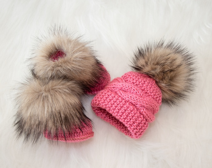 Raspberry pink baby girl hat and booties with fur, Baby girl winter clothes, Fur booties, Pom pom hat, baby girl clothes, Baby girl gift
