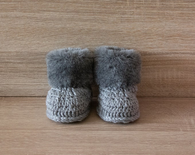 Fur booties - Crochet Baby Booties - Gender neutral - Baby winter boots - Preemie booties- Newborn Boots- Gray UGG style boots- Infant shoes