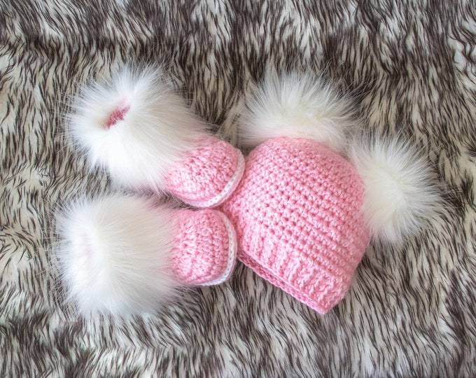 Newborn girl pink booties and hat set, Fur double pom hat and booties, Crochet baby girl set, baby girl clothes winter, preemie girl clothes